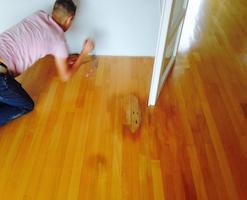 In de Meern hebben we we deze Beuken tapis vloer stofvrij geschuurd en behandeld met skylt een onzichtbare lak.